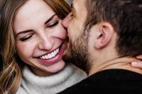 Поцелуи способствуют нормализации кровяного давления.