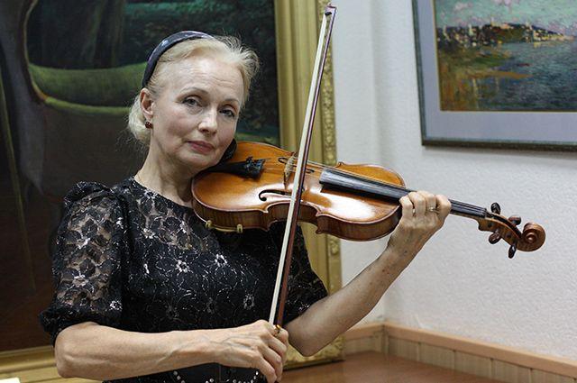 Небольшая галерея Климентовской располагает для творческих вечеров.