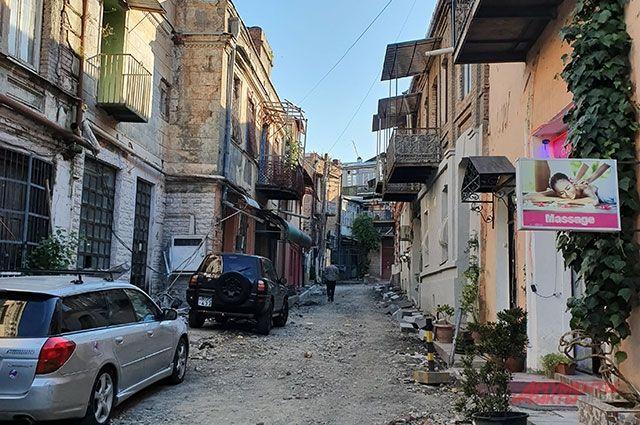Граждане  Тбилиси вновь вышли наакцию против ведущего «Рустави 2»