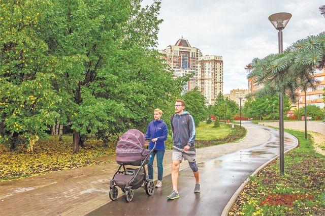 Аллеи «Никулиной рощи» отлично подходят для пеших прогулок.