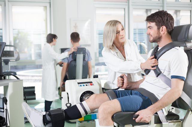 Реабилитация после травм и инсульта зависит от степени тяжести.
