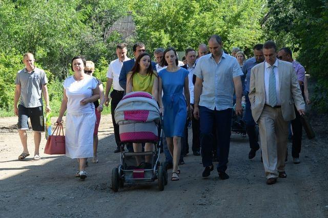 Денис Паслер на выходных проверил дороги в Оренбурге и Соль-Илецке