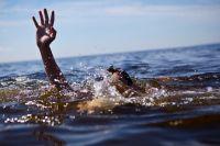 Подросток плохо плавал