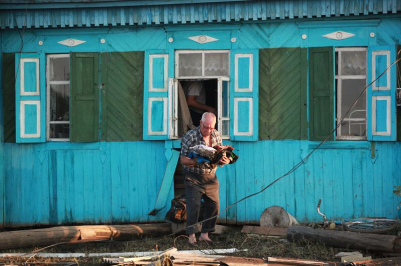 Житель города Тулун Иркутской области, пострадавшего от паводка.