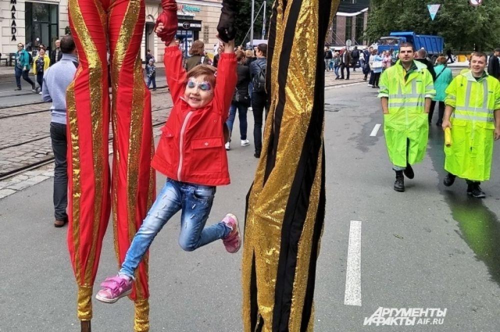 Дети чувствовали себя главными героями торжества.