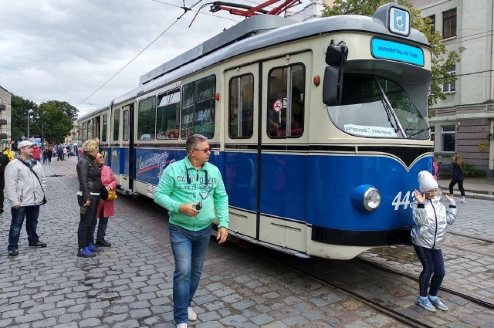 Городской трамвай.