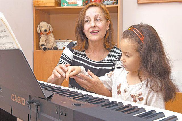 Музыкальные уроки продолжаются и летом.