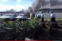 В Беляевском районе пожарные и полицейские спасли от огня дом и «Волгу»