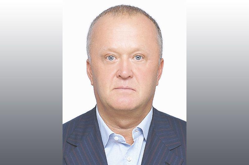 За ним следует депутат заксобрания Камчатского края Игорь Евтушок — 1,72 миллиарда рублей.