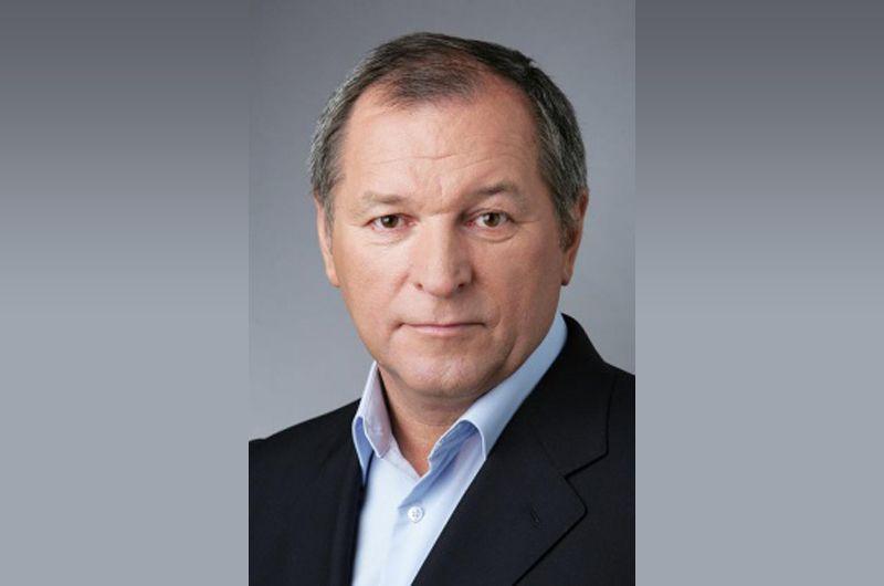 Второе место занял вице-председатель заксобрания Челябинской области, совладелец «Южуралзолото» Константин Струков, задекларировавший 4,46 миллиарда рублей.
