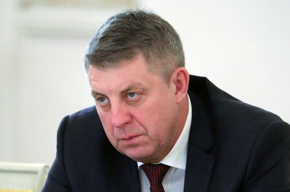 Замыкает десятку губернатор Брянской области Александр Богомаз, заработавший 1,23 миллиарда рублей.