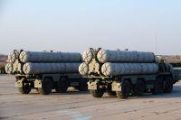 Зенитные ракетные системы (ЗРС) С-400 «Триумф».