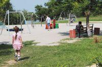 Вместо пустыря - во дворе лавки, спортивные, игровые сооружения.