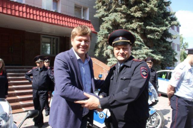 Дмитрий Губерниев призвал тюменцев к трезвому вождению