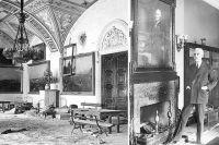 Сопротивляться предпринимательству в Эрмитаже было некому. Работников музея никто не спрашивал. Тем временем американский банкир и коллекционер Эндрю Меллон активно участвовал в распродаже.