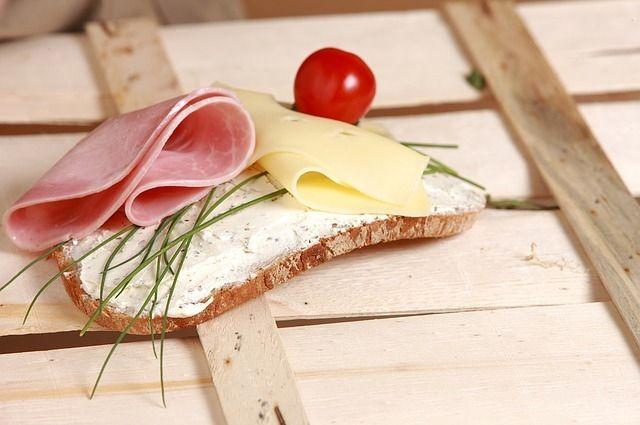 В Тюмени начали раздавать «пробники» колбасы
