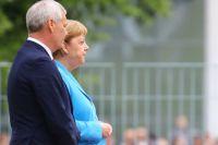 Канцлер Германии Ангела Меркель принимает нового премьер-министра Финляндии Антти Ринне.