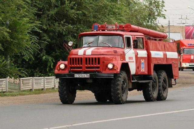 В Оренбурге на ул. Поляничко неизвестный поджог автомобиль