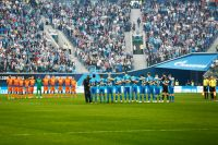 Игроки ФК «Зенит» и игроки ПФК ЦСКА перед началом матча 28 тура чемпионата России по футболу среди клубов Премьер-лиги.