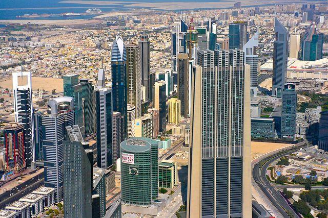В Дубае туристам разрешили покупать алкоголь вне отелей photo