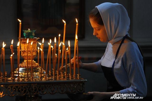 Во всех храмах республики проходят торжественные Богослужения.