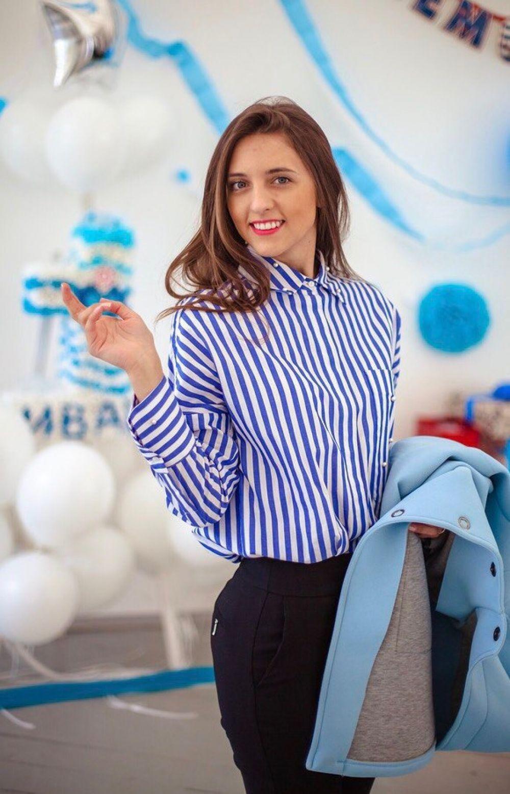 Куннова Кристина, 26 лет. Образование высшее. Генеральный директор компании «Оранжевый Манго». Хобби: путешествия.