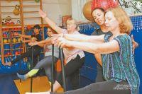 Упражнения подбираются тренером сучётом возраста спортсменов.