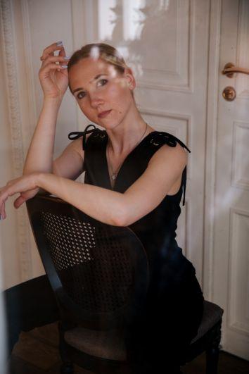 Минеевцева Мария, 29 лет. Высшее образование, помощник менеджера в ОАО Торговый дом ЦУМ. Хобби: фотография.