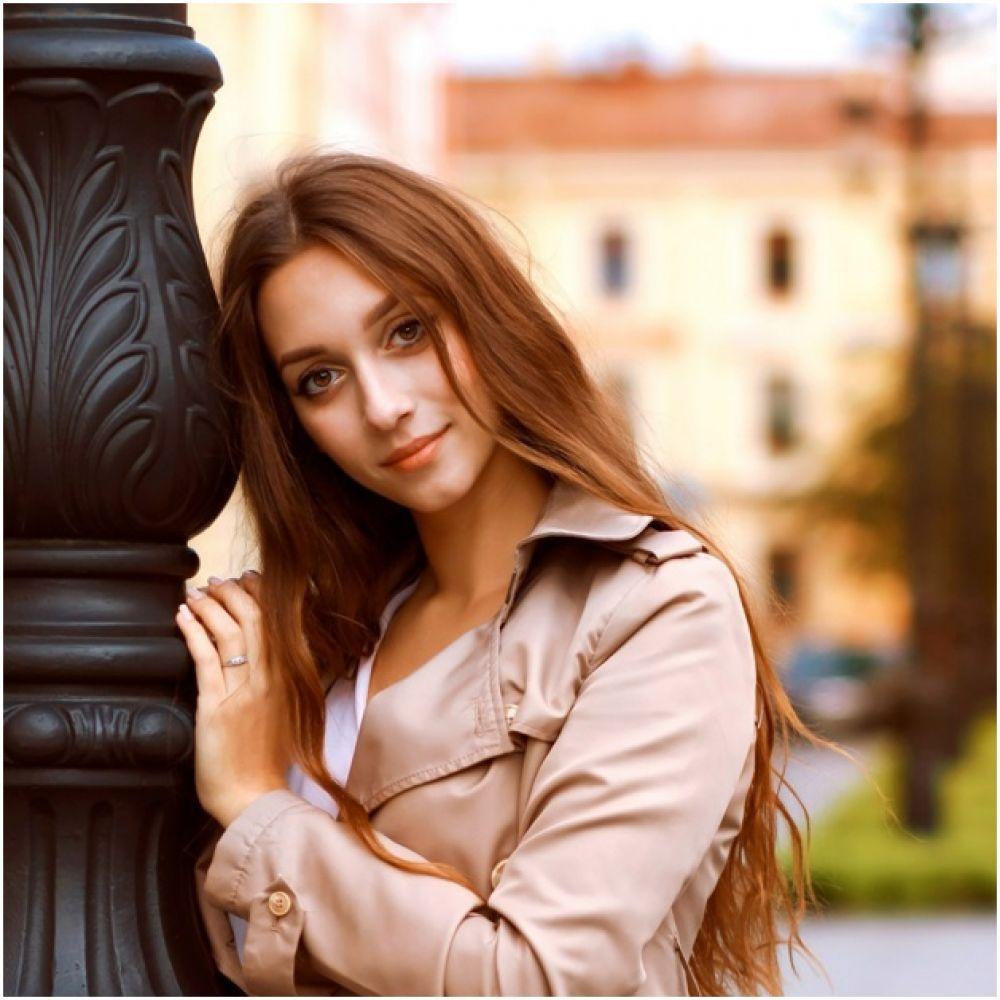 Павелковская Полина, 23 года. Образование высшее, специалист по подбору персонала в компании «Атриа». Хобби: кулинария, французский язык.