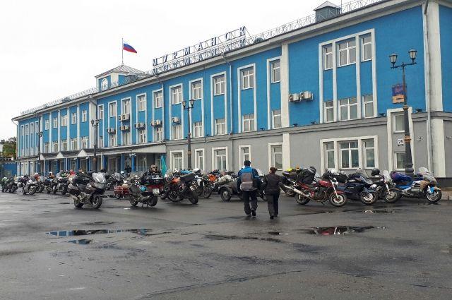 На Кольский полуостров приехали байкеры со всей России, а также из Белоруссии, Литвы, Украины, Казахстана и других стран.