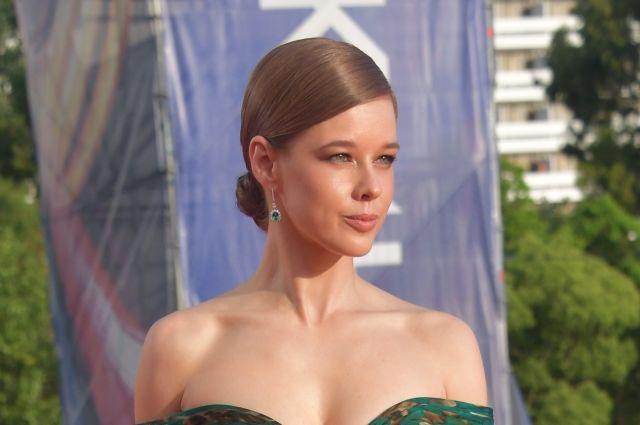 Пермская актриса часто радует поклонниками эффектными снимками.