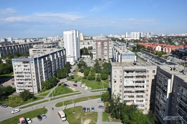 Юго-Западный микрорайон Екатеринбурга – вид с улицы Московской на Волгоградскую.