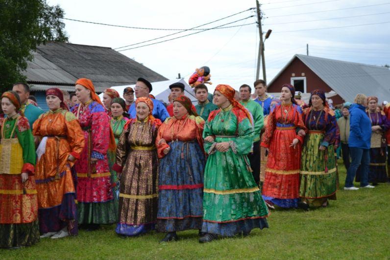 Современная «Горка» в основном проводится силами творческих коллективов. Они выполняют функцию хранителей горочного репертурара, наставников  и трансляторов культуры.