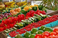 Ни в коем случае нельзя приобретать продукты на стихийных рынках.
