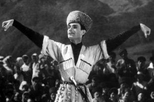 Кадр из художественного фильма «Я буду танцевать», снятого режиссером Тофиком Таки-заде в 1963 году на киностудии «Азербайджанфильм». В главной роли - Махмуд Эсамбаев.