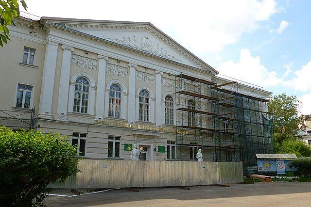К 100-летию республики в столице Коми отремонтируют фасады около полусотни зданий, как жилых, так и административных.