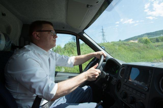 Алексей Текслер лично испытал одну из последних моделей грузовика, которые выпускают в Миассе.