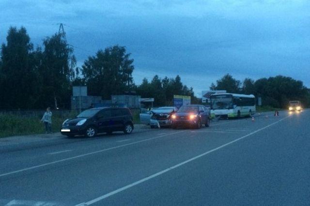 В Гурьевском районе в ДТП с автобусом пострадал ребёнок