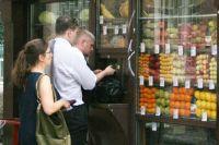 Многие ларьки и киоски в центре города раздражают чиновников, но популярны у жителей Екатеринбурга.Фото Лилии ульяновой