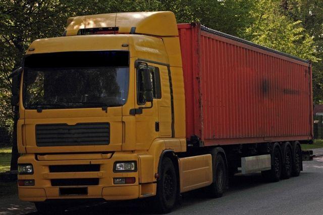 Для грузовых автомобилей на тюменской трассе появится придорожный комплекс
