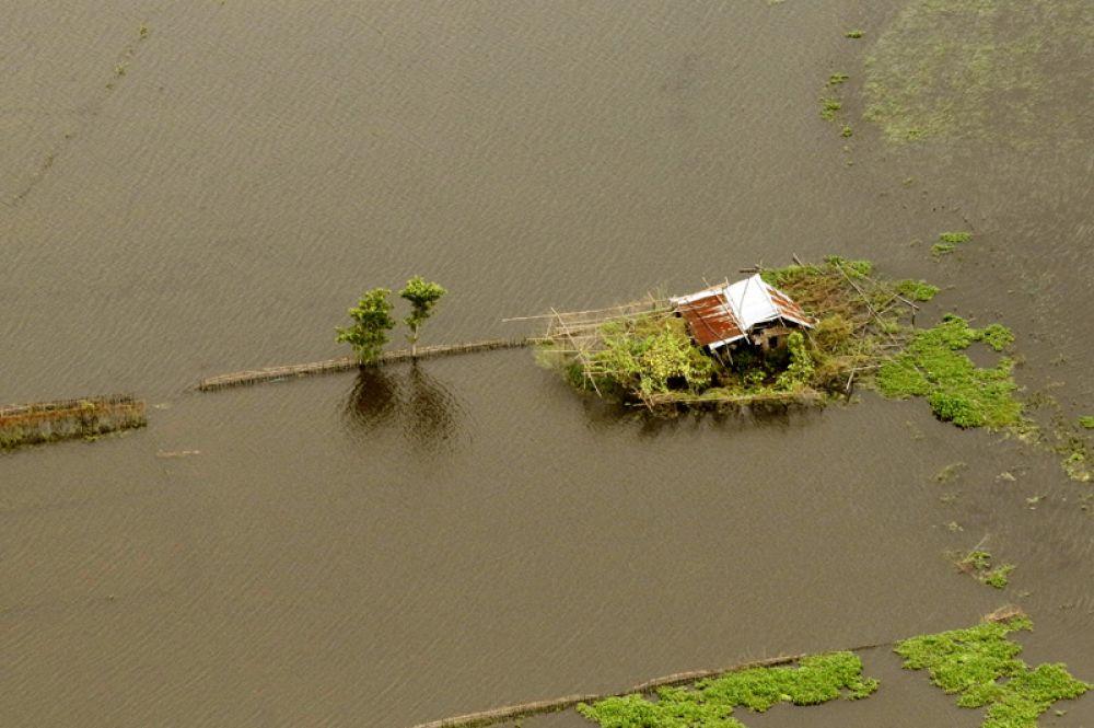Штат Ассам во время наводнения, вид с воздуха.