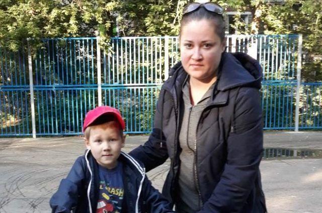 Юлию и её сына видели 5 июля в Индустриальном районе города.