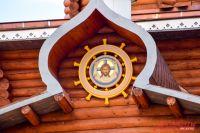 На самом высоком месте исторического комплекса расположилась Свято-Иннокентьевская церковь.