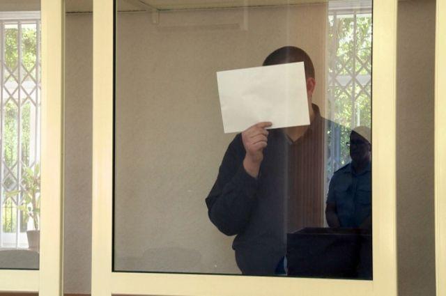 Организатора ОПГ приговорили к 14 годам колонии строгого режима и присудили штраф в 150 тысяч рублей.
