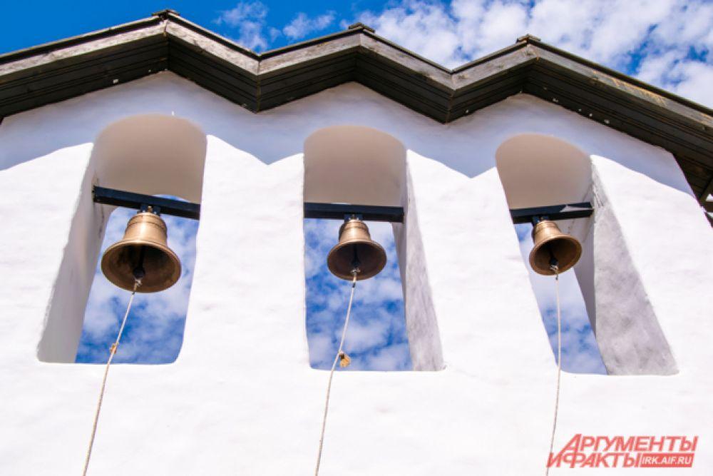 Звонница также стоит на месте бывшей Ильинской Церкви.