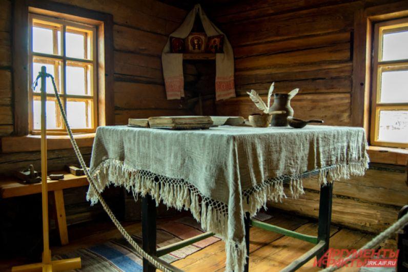 Дом дядюшки святого, где Иннокентий рос с 6 лет, удалось сохранить чудом: почитающие российского святого американцы готовы были выкупить здание за баснословные деньги и увести на Аляску.