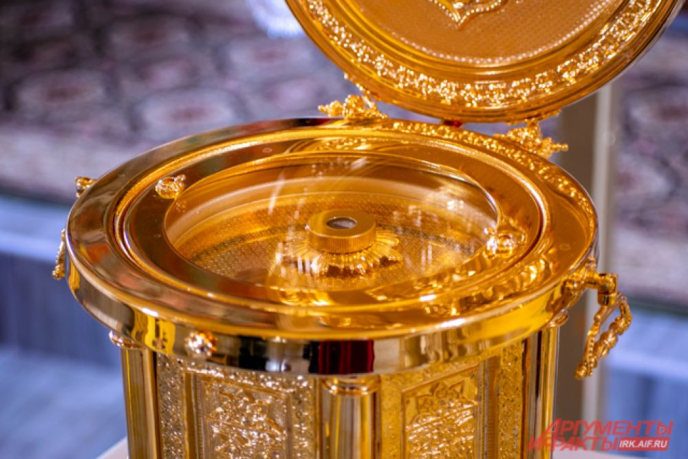 В новом храме теперь хранятся мощи святого.