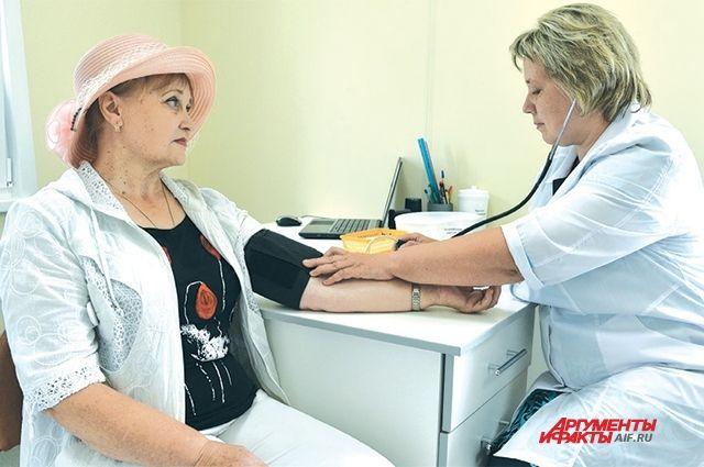 В сельских лечебных учреждениях общая потребность во врачах составляет более 1000 человек, в медсёстрах – 1300.