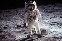 Эдвин Олдрин, снятый Нейлом Армстронгом.