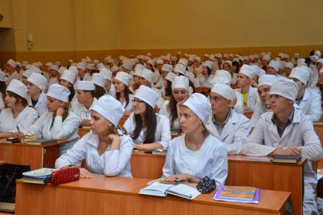 В Украине планируют повысить плату за обучение на популярных специальностях